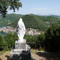 Lago di Piediluco e la Montagna dell'Eco, Rocca di Albornoz, Paese di Labro