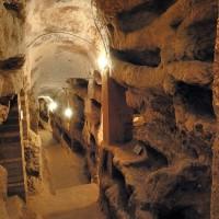 Lungo la Via Flaminia a Massa Martana: la Catacomba di Villa San Faustino e Ponte Fonnaia
