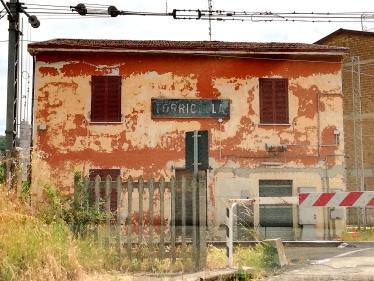 Stazione abbandonata - Torricella (PG)